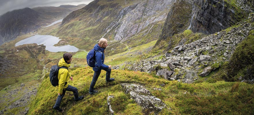 How To Avoid Crowds When Hiking