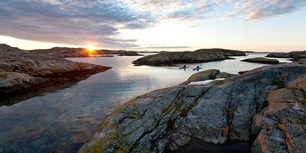 sweden kayaking at sunset